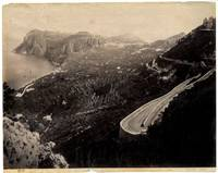 Capri. Veduta panoramica con strada e tornanti.