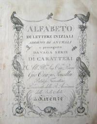 Alfabeto di Lettere Iniziali Adorno di Animali e Proseguito da Vaga Serie di Caratteri