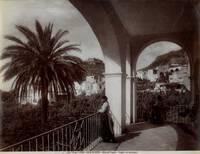 Isola di Capri. Albergo Pagano. Loggia con paesaggio.