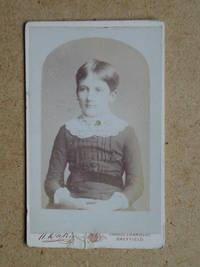 Carte De Visite Photograph: Portrait of a Young Girl.