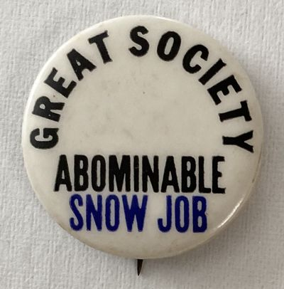 New York: Big Store, . 1.25 inch diameter pin, very good. The manufacturer was located at 112 McDoug...
