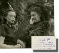 image of Original photograph of Linda Darnell and Simone Simon