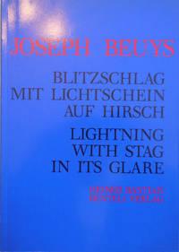 Blitzschlag Mit Lichtschein Auf Hirsch / Lightning With Stag In Its Glare