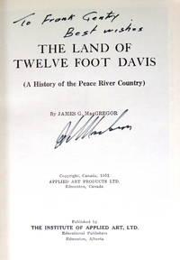 image of The Land of Twelve-Foot Davis