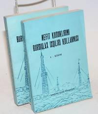 image of Nefit kuduklirini buroilax ixqiliri kollanmisi [Uyghur-language edition of Shi you zuan jing gong ren du ben]. In two volumes