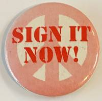 image of Sign it now! [pinback button]