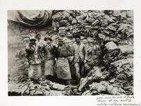 [Photographie originale signée] Quai de Javel, 1932. [Dédicace autographe de Cartier-Bresson à Paola et Jean-Michel Folon]