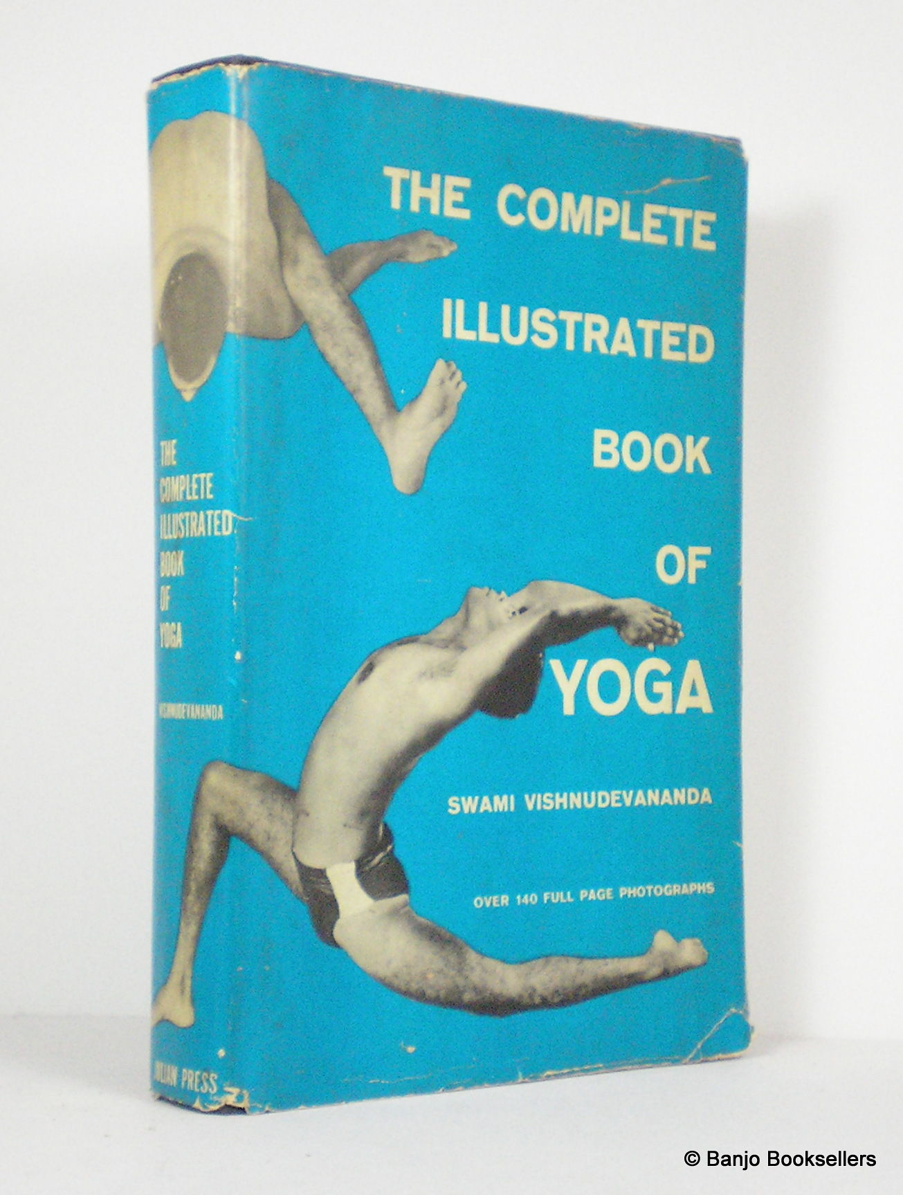 Illustrated Book Cover Yoga : The complete illustrated book of yoga by vishnudevananda