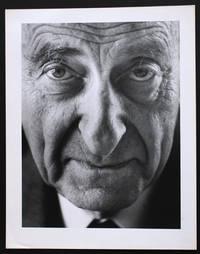 Portrait photographique de Raymond Aron par Bruno de Monès (tirage vintage signé)