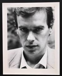 Portrait photographique inédit de Martin Amis par Bruno de Monès (tirage vintage signé)