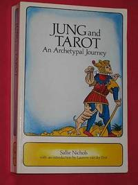 Jung and Tarot: An Archetypal Journey (Paperback)