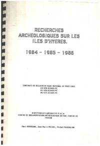 image of Recherches archéologiques sur les iles d'hères 1984-1985-1986/ nombreuses photographies collées