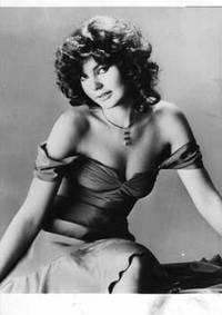Maria, La Fille Adoptive D'Elizabeth Taylor, Devient Mannequin. (Maria Burton)