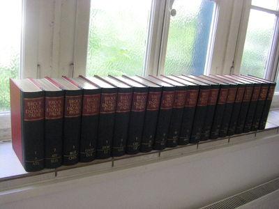 Wiesbaden: Brockhaus 1966   1974; 20 Bände; Ca. 17.000 S.; Mit Zahlr.  SW Abb., Sowie Farbigen Tafeln U. Karten; 17., Völlig Neubearbeitete Aufl.  Des ...