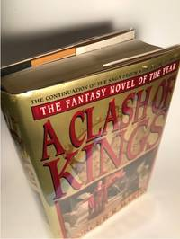 A CLASH OF KINGS (SECOND BOOK IN THE SERIES)