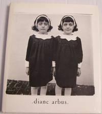 Diane Arbus: Monograph (Aperture Monograph)
