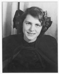 Portrait photograph of Margaret Bourke-White