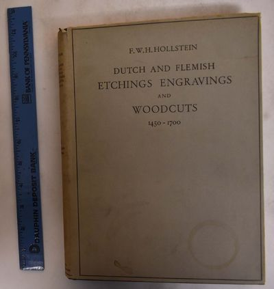 Amsterdam: Menno Hertzberger, 1949. Hardcover. VG-/VG- ex-library copy with stamp on title page, lig...