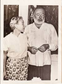 image of ORIGNAL Press photograph of Ernest Hemingway and Mary Welsh Hemingway, 1953